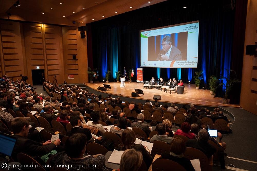 Jean Champagne prend la parole au séminaire national du réseau rural.