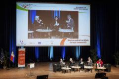 Photographie professionnelle d'événements d'entreprise à clermont-ferrand, ici un congrès politique à la grande halle d'auvergne à cournon.